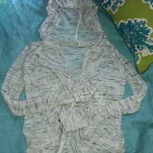 ATHLETA wrap hoodie gym Sz XS, White. Made in USA